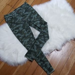 Old navy camouflage camo Rockstar mid-rise jeans
